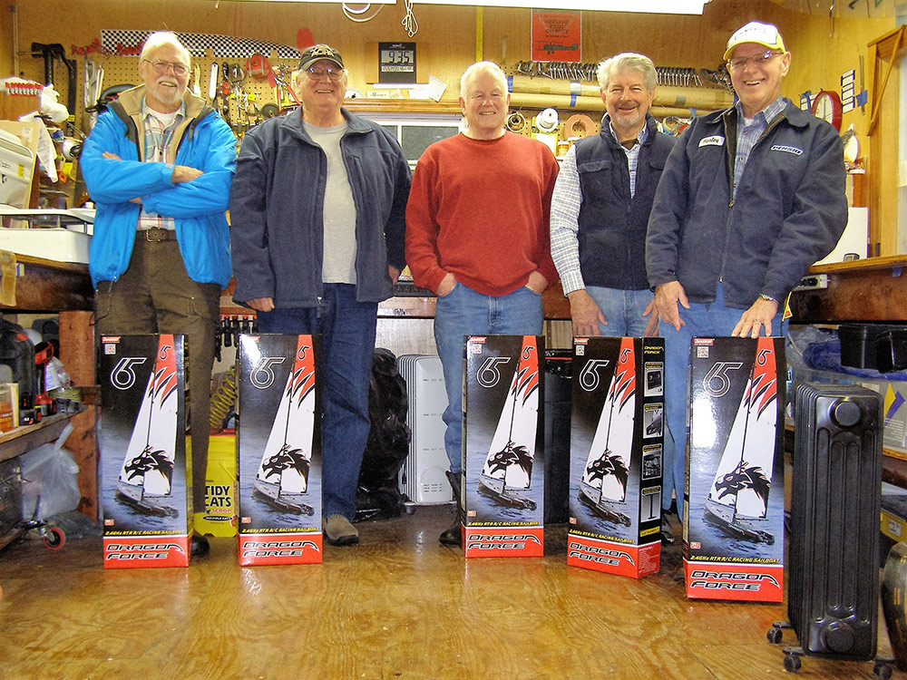 Members with their new Dragon Force Model Yachts